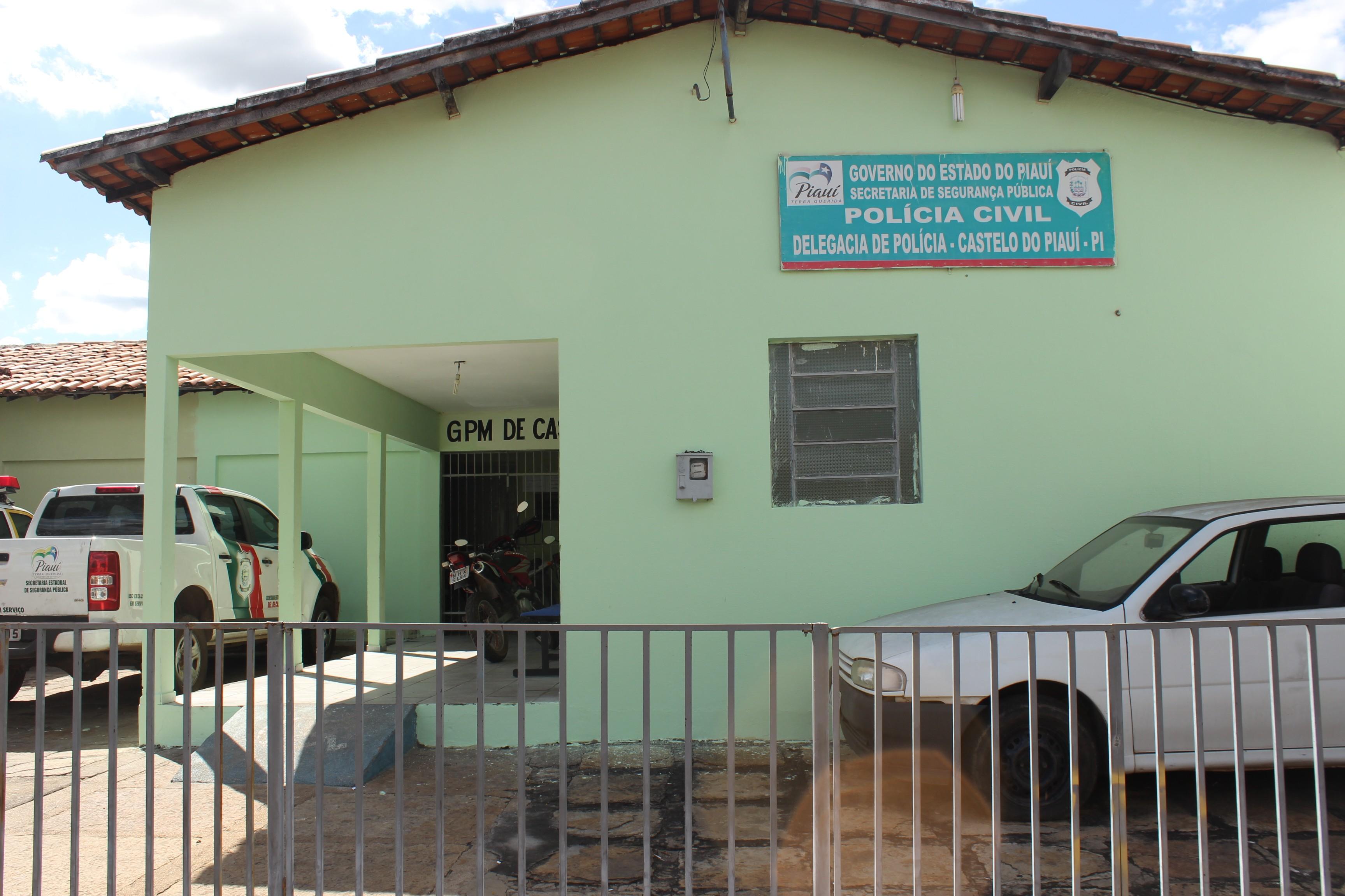 Polícia procura suspeito de esfaquear mulher após esposa e filha serem feridas no Piauí