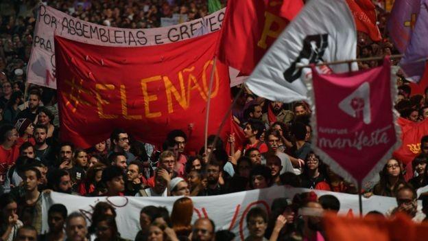 Manifestação contrária a Bolsonaro em SP; teor agressivo de falas do político geraram rejeição em grande parte do eleitorado (Foto: AFP)