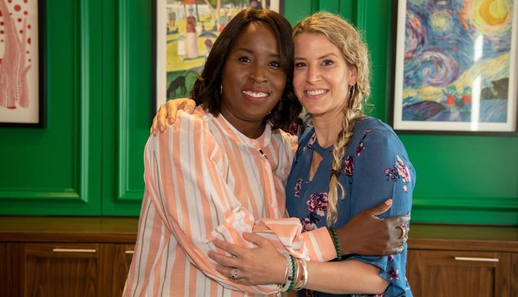 Tia Wimbush e Susan Ellis, colegas do departamento de informática de uma ONG que doaram rins uma para o marido da outra — Foto: Children's Healthcare of Atlanta / Divulgação
