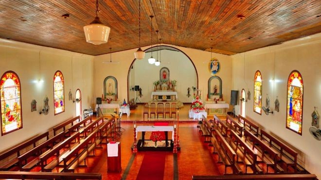 Embora a religião não fosse parte do projeto, o edifício mais bem conservado da Fordlândia é esta igreja (Foto: Joel Auerbach/BBC)