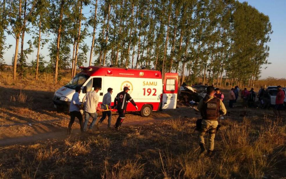 Samu esteve no local do acidente para socorrer as vítimas no oeste da Bahia (Foto: Sigi Vilares/Blog Sigi Vilares)