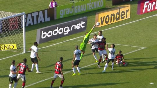 """Jorginho exalta vitória em meio à pressão por acesso, mas faz ressalvas: """"Mandar mais no jogo"""""""