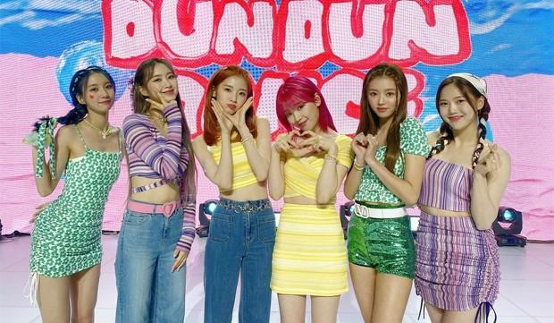Oh My Girl faz comeback com mini-álbum e single 'Dun Dun Dance'; assista ao  MV! - Quem | K-Pop