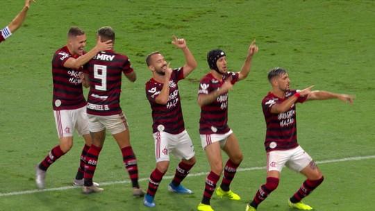 Análise: bom até debaixo d'água, invicto Flamengo ostenta força ofensiva em nova goleada