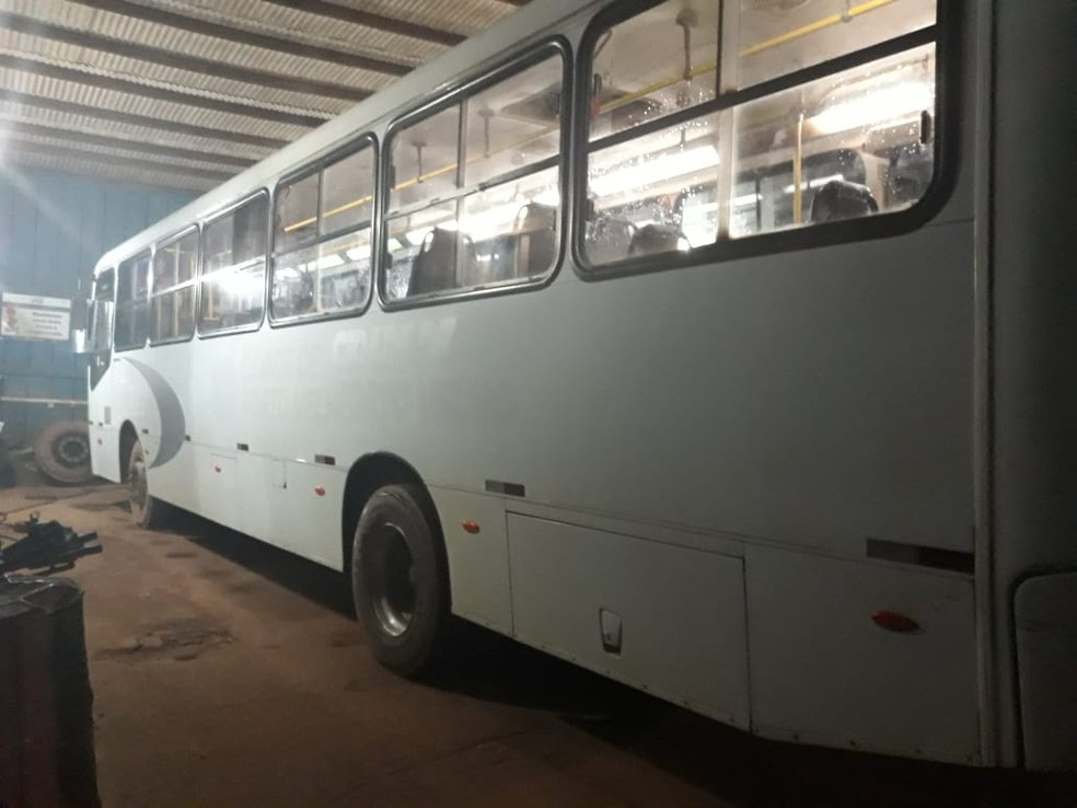 Sitetuperon afirma que veículos chegaram a ter pneus e documentação revisados.  — Foto: Divulgação/Sitetuperon