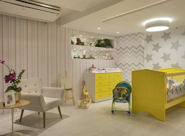 """""""Quarto do Bebê Seguro"""", desenvolvido por Roselisa Quaresma Monteiro proporciona segurança para a mãe e o bebê.  Materiais ecologicamente corretos, como as lâmpadas LED e o piso vinílico, complementam o espaço (Foto: Divulgação)"""