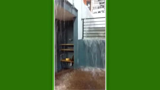 Vídeo: temporal no Rio de Janeiro inunda o Instituto Reação, na Rocinha