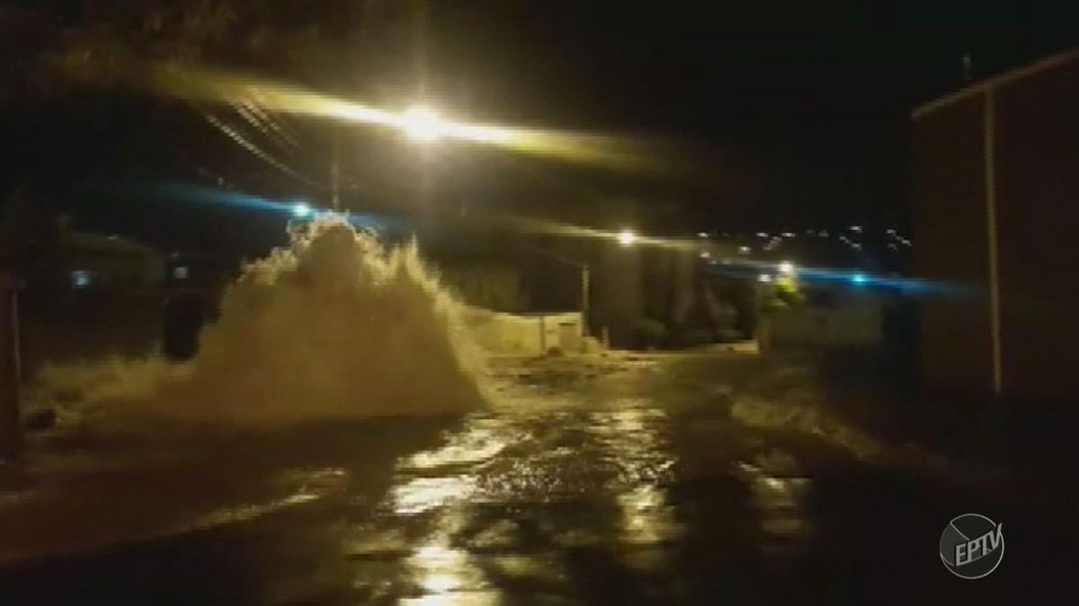 Vídeo mostra 'enchente' provocada por rompimento de adutora em Campinas