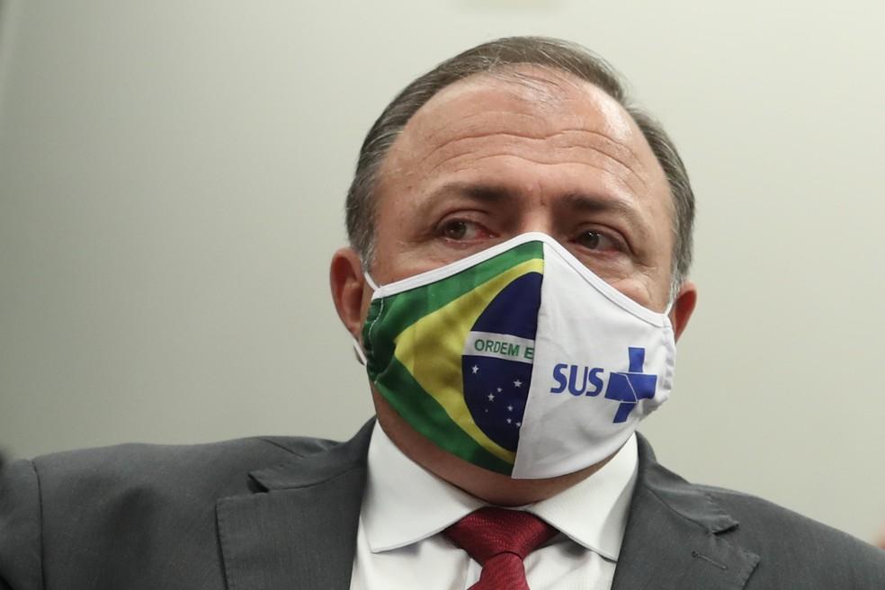 O ministro interino da Saúde, general Eduardo Pazuello, participa de uma reunião no Congresso Nacional, em 9 de junho — Foto: GABRIELA BILó/ESTADÃO CONTEÚDO