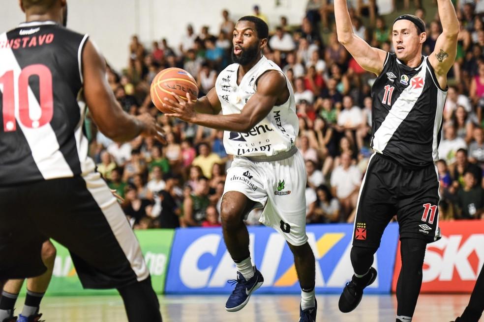 Anthony acabou como cestinha do jog (Foto: Victor Lira / Sendi Bauru Basket)