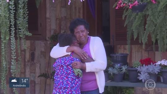 Menina sequestrada pelo pai volta ao Brasil após 5 meses