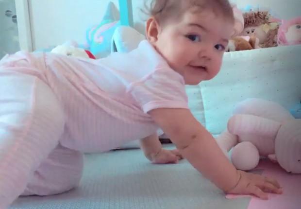 Bella, filha de José Loreto e Débora Nascimento (Foto: Reprodução/Instagram)