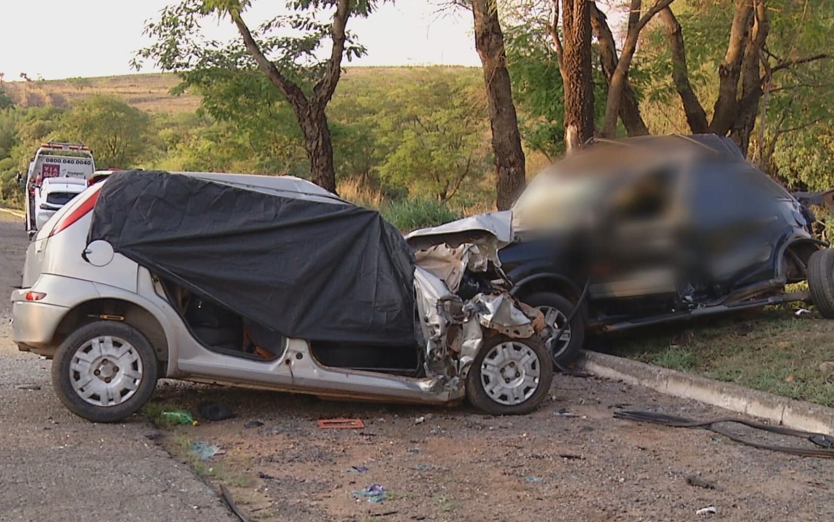Acidente deixa ao menos cinco mortos na BR-040, em Cristalina