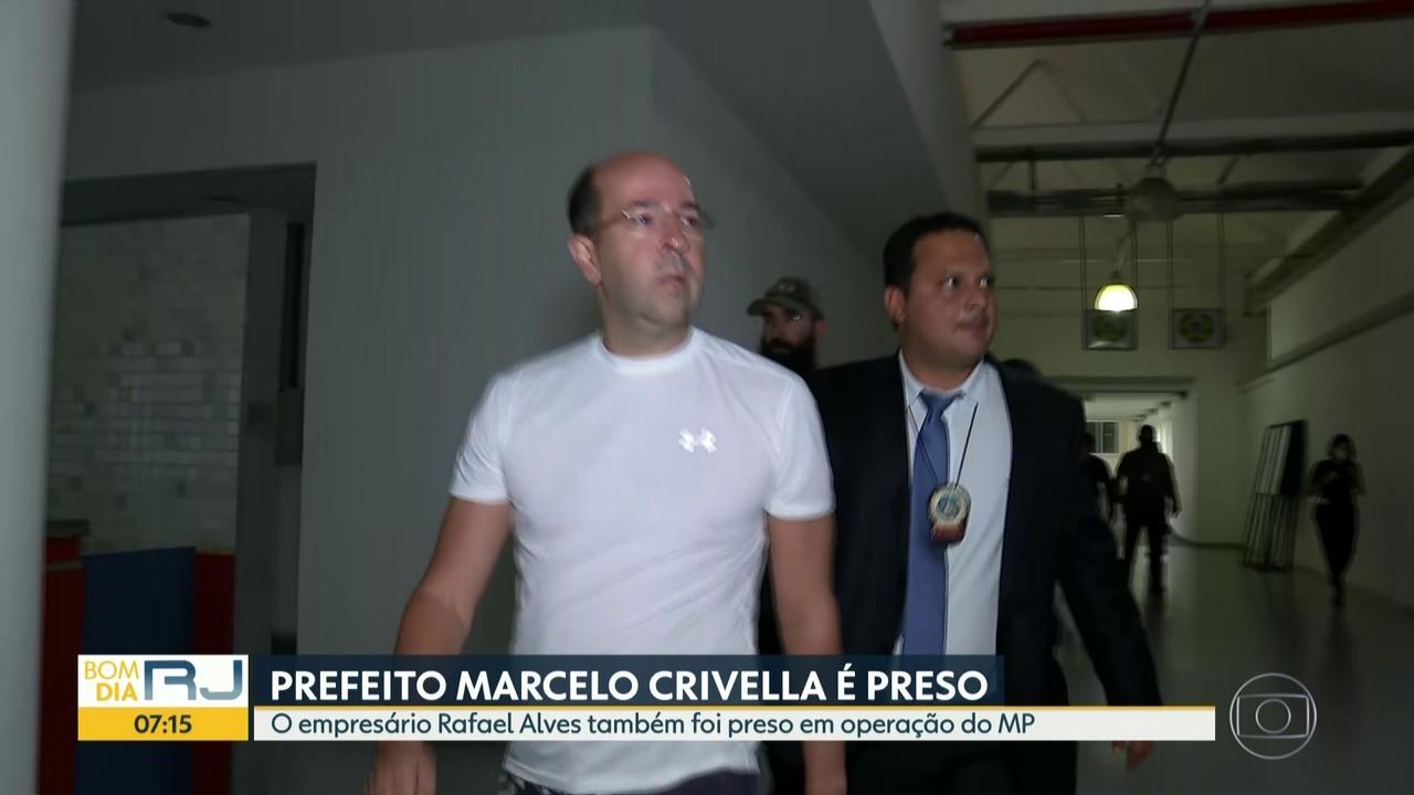 Marcelo Crivella, Rafael Lopes e Mauro Macedo foram presos e já estão na Cidade da Polícia