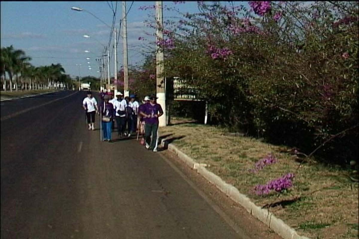 Barracas de apoio aos romeiros começam a funcionar nesta sexta na BR-365 em Patos de Minas