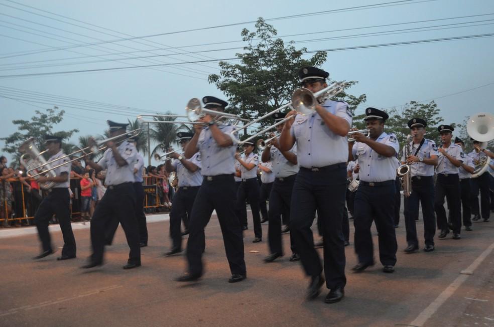 Banda da PM durante desfile militar pelo 7 de setembro, em Porto Velho (Foto: Toni Francis/G1)