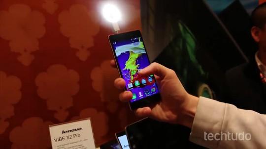 Lenovo apresenta Vibe Xtension Selfie Flash, acessório da 'selfie perfeita'