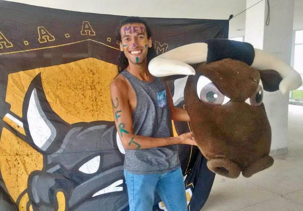 Matheus Oliveira foi aprovado em medicina na UFRJ. (Foto: Arquivo pessoal)