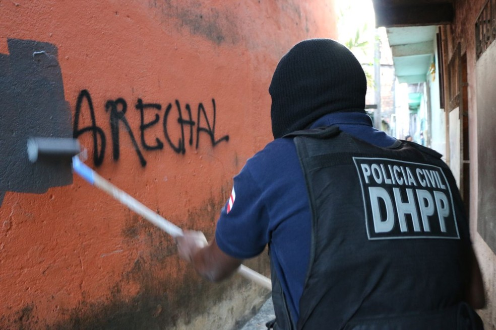 Incursão no bairro começou na noite da última sexta-feira (Foto: Divulgação/SSP-BA)