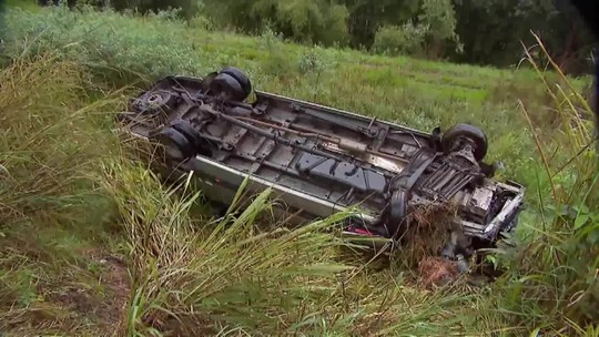Vítimas de acidente entre van e carro na BR-040 têm alta de hospital na Zona da Mata