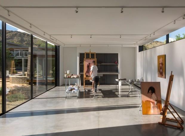Divisórias removíveis podem ser instaladas para que o estúdio vire uma galeria (Foto: Winquist Photography)