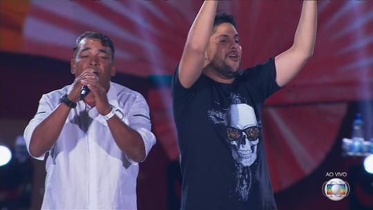 Operário que cantou com Jorge e Mateus é reconhecido por vizinhos em Goiânia