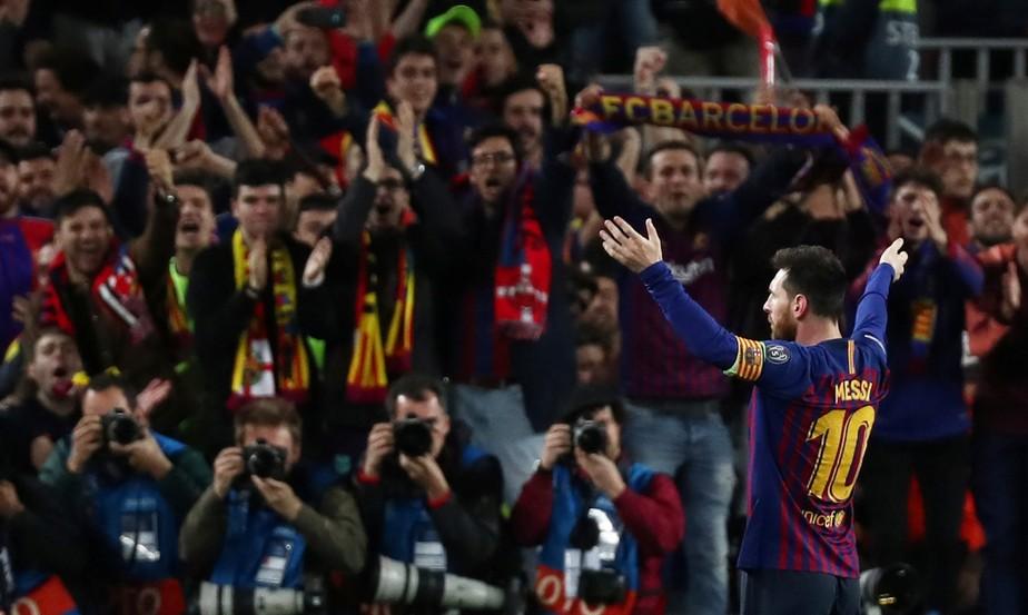 Messi pede à torcida do Barcelona que pare com vaias a Coutinho: