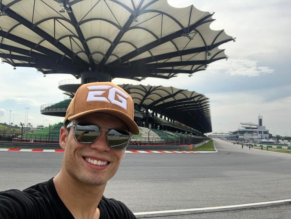Eric em Sepang. Cadê a moto? — Foto: Arquivo pessoal