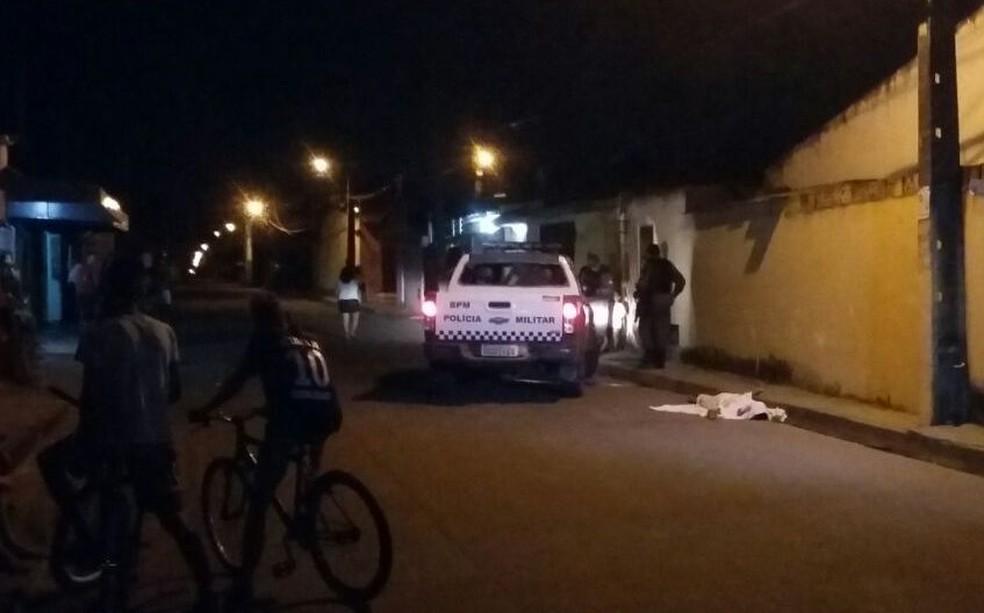 Ivan lucas, de 18 anos, morreu a poucos metros da casa onde morava (Foto: Sérgio Henrique Santos/Inter TV Cabugi)