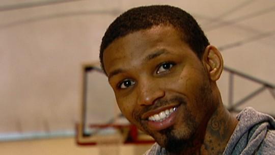 Irmão adotivo de Kevin Durant é assassinado a tiros em Atlanta em sua festa de aniversário