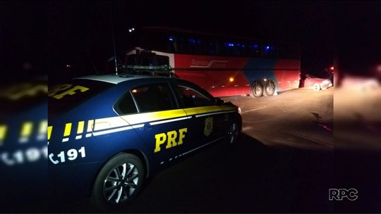 Ônibus de turismo com 23 passageiros que fizeram compras no Paraguai é assaltado na BR-277, em Irati