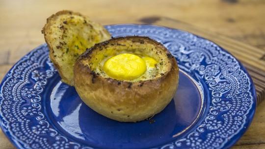 Pão Artesanal no Forno com Bacon e Ovo