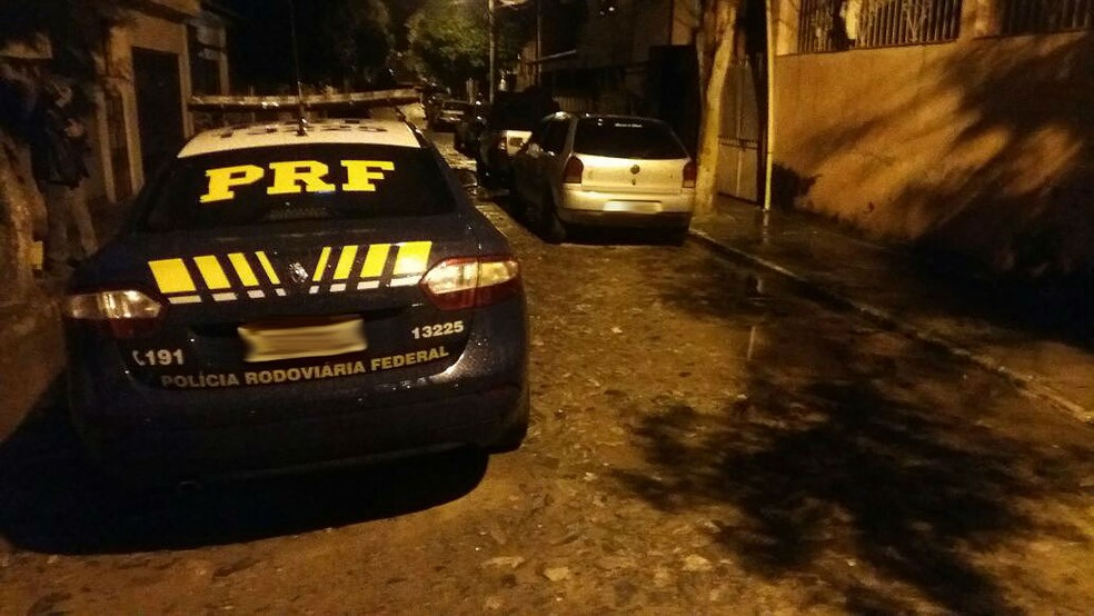 -  Homem inabilitado foi detido em Cataguases apos fugir de fiscalização na BR-116 em Leopoldina  Foto: Polícia Rodoviária Federal/Divulgação