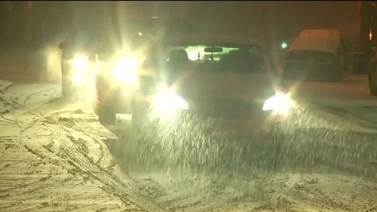 Nevasca causa transtornos e mata ao menos sete pessoas nos EUA