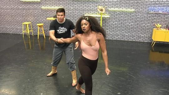 'Dança dos Famosos 2017': mulheres arrasam nas acrobacias durante ensaios do ritmo country