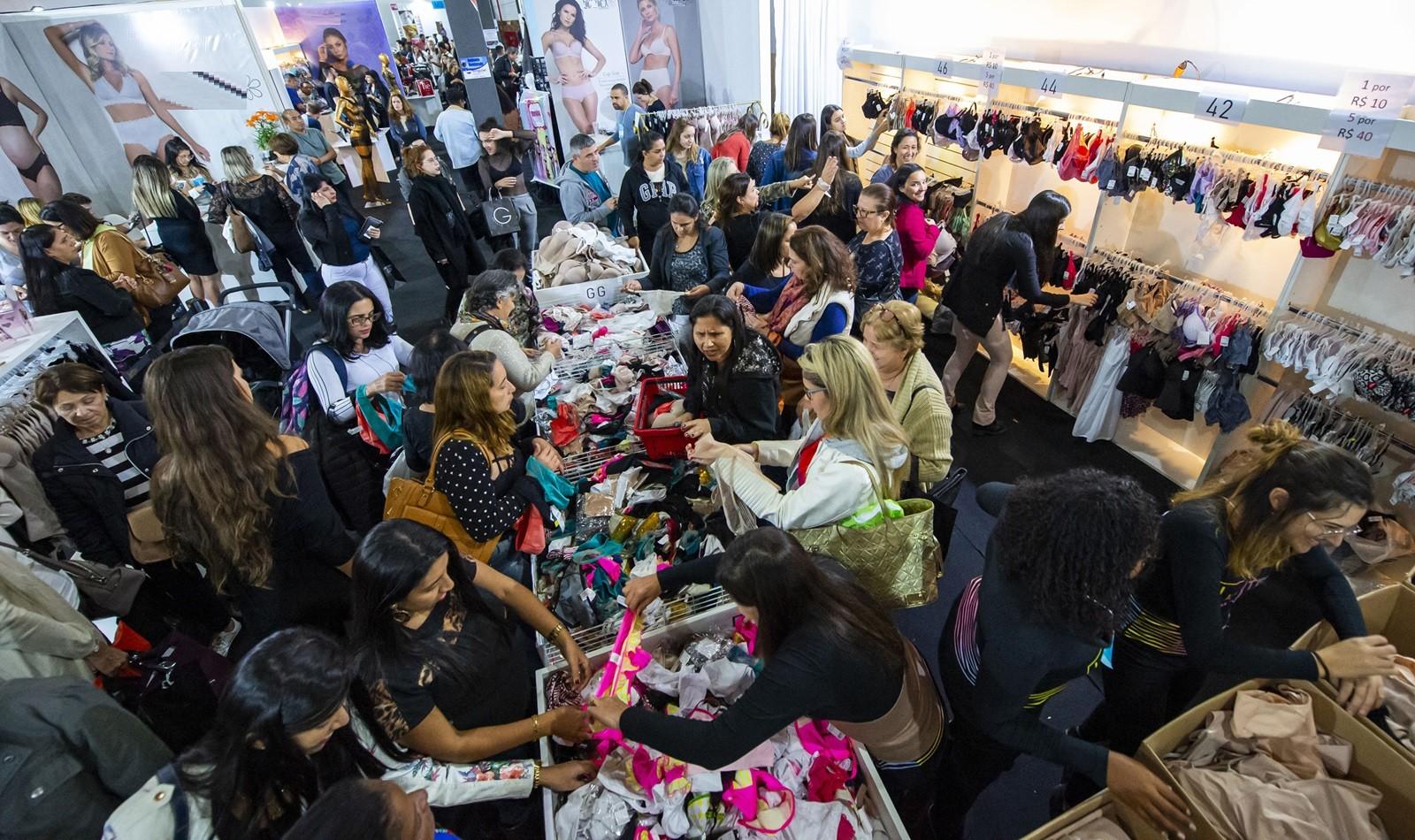 Maior feira de moda íntima do país vende cerca de 50 mil peças e atrai 14.500 pessoas durante evento no RJ - Notícias - Plantão Diário