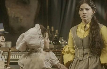 Na terça-feira (28), Tonico (Alexandre Nero) convidará Pilar (Gabriela Medvedovski) para ser madrinha do  seu casamento com Dolores (Daphne Bozaski) TV Globo