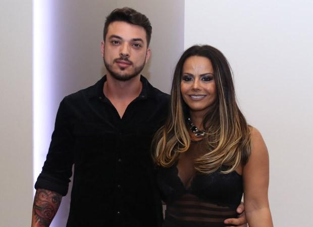Viviane Araújo e Klaus Barros (Foto: Anderson Borde/AgNews)