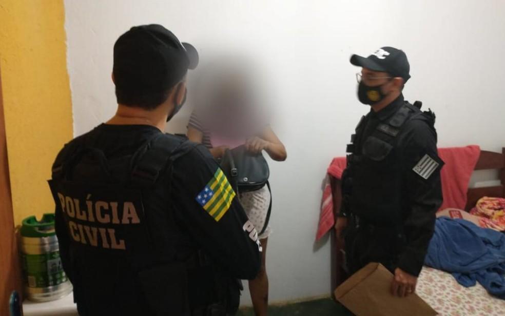 Presos suspeitos de golpes pelo WhatsApp extorquiram dinheiro de parentes de artistas, políticos, médicos e juízes — Foto: Divulgação/Polícia Civil