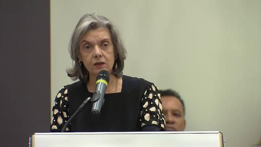 'Corrupção é crime. Crime se combate e se pune nos termos da lei', diz Cármen Lúcia