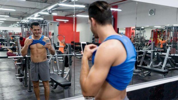 Homens que olham o conteúdo do #fitspo se preocupam mais com seus próprios músculos (Foto: Getty Images via BBC)