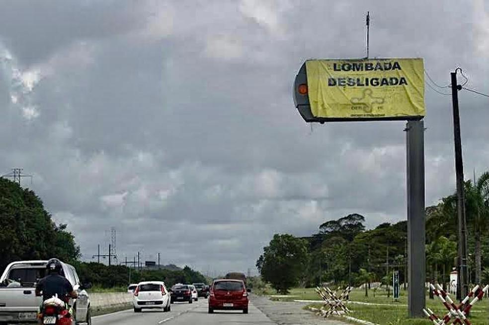 Lombadas nas rodovias BR-232 e PE-60 devem ser desligadas na noite desta quarta-feira (30) — Foto: Departamento de Estradas de Rodagens/Divulgação