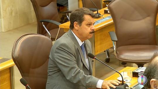 'Por que não estender também aos vereadores?', ironiza Marco Aurélio sobre soltura de deputados por Assembleias