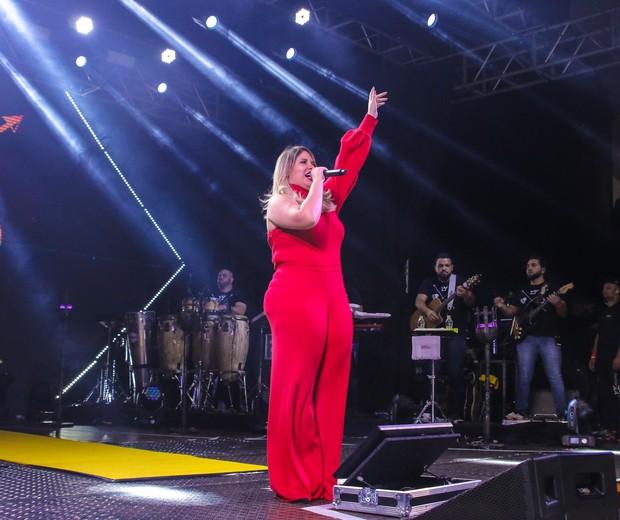 Grávida, Marília Mendonça faz show em São Paulo (Foto: Thiago Duran/Agnews)