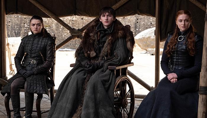 Garrafa de água foi vista em cena de conversa entre os grandes líderes de Westeros (Foto: Divulgação)