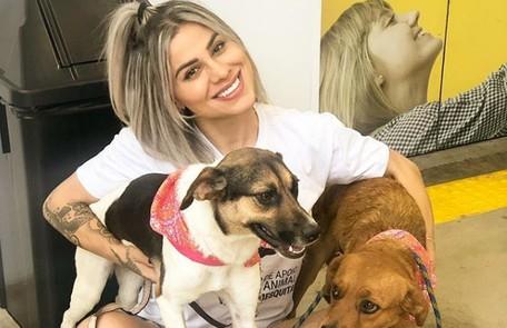 Vanessa Mesquita, do 'BBB' 14, não gastou o dinheiro que ganhou no programa e fez investimentos. Ela, que fundou a ONG Instituto Pet Van, usa parte dos rendimentos para cuidar de animais. E também cursa Medicina Veterinária TV Globo