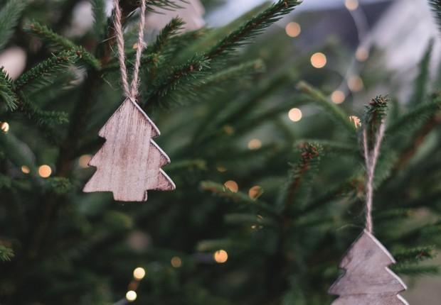 Reutilizar a decoração de Natal é uma atitude sustentável em uma época de tanto consumo – e desperdício (Foto: Pexels)