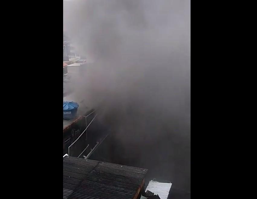 Incêndio atinge imóvel em Salvador e objetos da casa ficam destruídos, dizem moradores