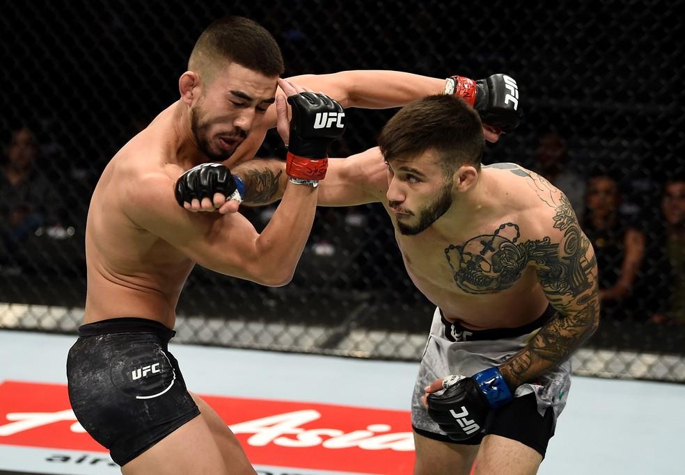 Matheus Nicolau castigou Louis Smolka com seu boxe (Foto: Getty Images)