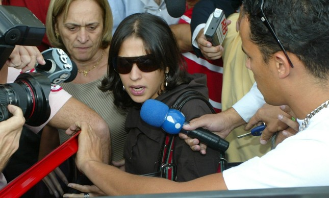A mãe de Isabella, Ana Carolina Oliveira, após depoimento na polícia